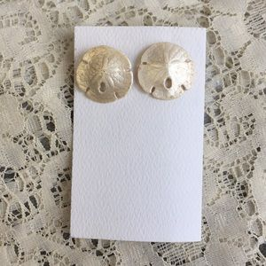 3/$15 Vintage sand dollar earrings